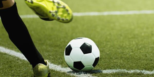 Sodi Ibrahimovičam un AC Milan par iesaistīšanos tiešsaistes kazino